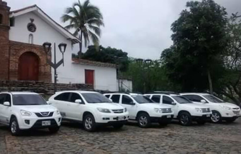 Camioneta Viajes Colombia Viva 4