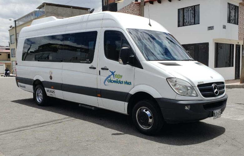 Van y camionetas Viajes Colombia Viva 5